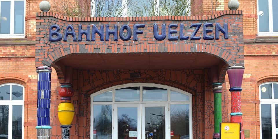Hundertwasser Bahnhof in Uelzen Petra Hitz-Bergmann